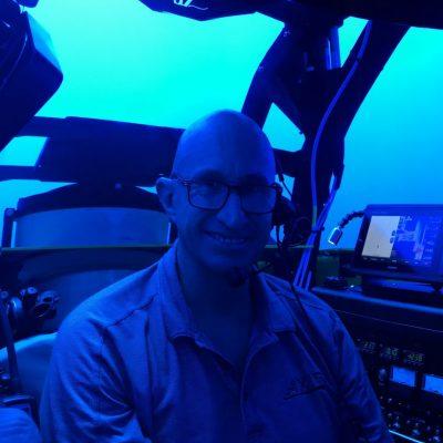 Les Annan diving